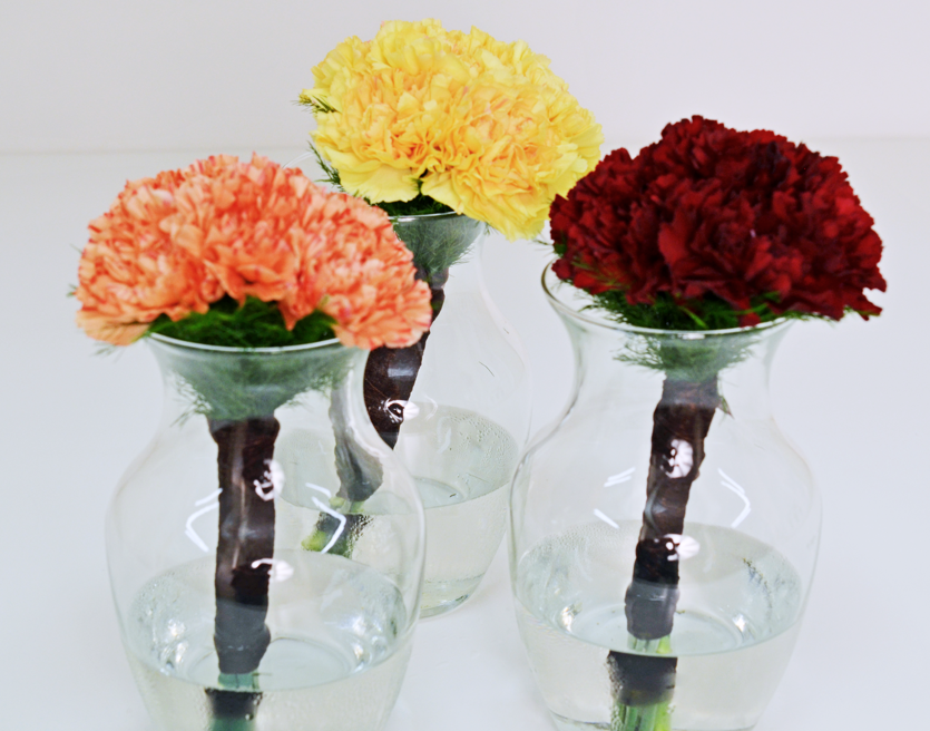 mismatched bridesmaid bouquets