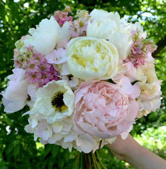nude wedding flower bouquets
