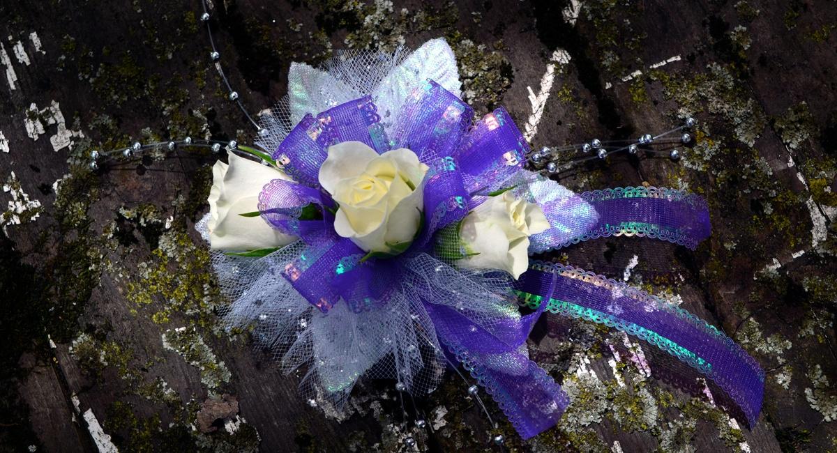purplepromcorsage.jpg